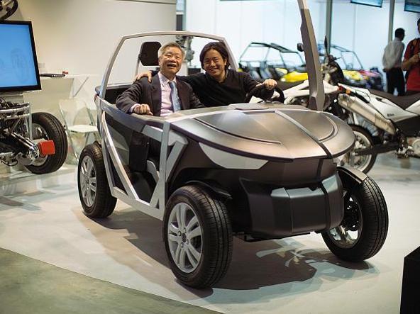 Tin hang liu ragazzo torinese di 33 anni che ha progettato for Tre kit di garage per auto