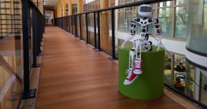 Poppy robot umanoide per le scuole