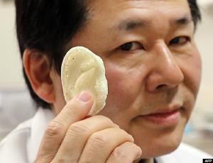 Tsuyoshi Takado e orecchio bionico 01