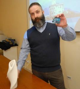 Antonio Burrai   scheda arduino fablab olbia gallura