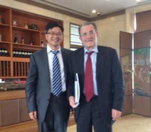 Luo Jun segretario generale dello sviluppo della stampa 3d cinese e Romano Prodi
