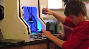 Layla e la sua stampante 3d la Robo