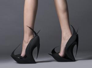 zaha-hadid-flames- scarpe stampate in 3d da-united-nude-e-3D-systems- design-week-2015 di Milano