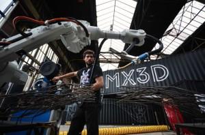 Il ponte ad Amsterdam stampato in 3d da MX3D e dai suoi robot 16