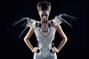 Spider Dress di Anouk Wipprecht abito stampato in 4d