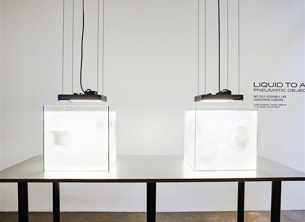 Il laboratorio di autoassemblaggio del mit e il designer svizzero